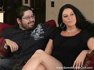Brunette Swinger MILF Cuckold Sex