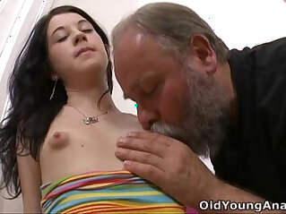 old and young  ,  pussy lick   chinese porn