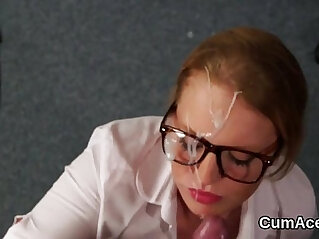 jizz: Foxy model gets jizz shot on her face sucking all the spunk