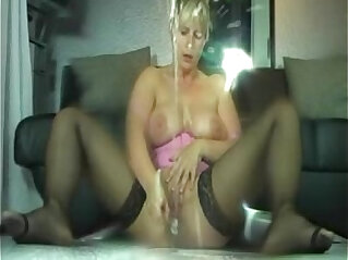 MILF  ,  squirting   chinese porn