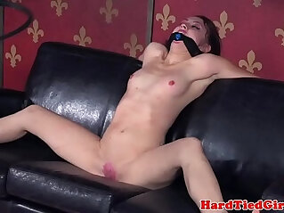 shaved pussy   chinese porn