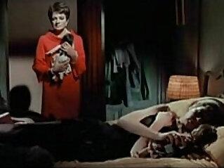 أخت : The Killing Of Sister George Lesbian scene full version