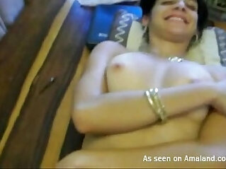 amateur: Indian honey gets banged on the table