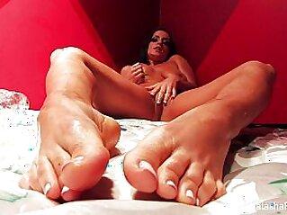 huge asses  ,  masturbation  ,  nude  ,  pornstar  ,  pussy   chinese porn