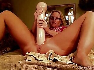 dildo  ,  glasses  ,  huge asses  ,  married  ,  MILF   chinese porn
