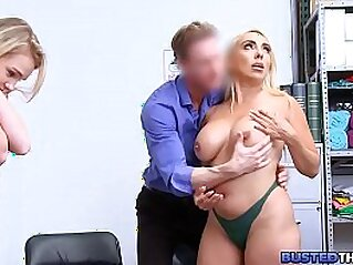 doggy  ,  doggy fuck  ,  MILF  ,  mom  ,  office   chinese porn