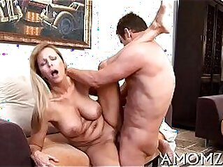 mature  ,  MILF  ,  mom  ,  mom and son  ,  oral   chinese porn