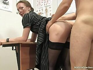 cougar  ,  lesbian  ,  mature  ,  MILF  ,  mom   chinese porn