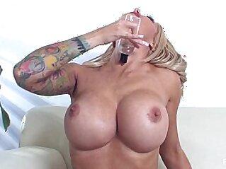huge asses  ,  masturbation  ,  MILF  ,  pornstar  ,  pussy   chinese porn